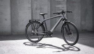 Primeiro modelo elétrico da Triumph é uma bicicleta