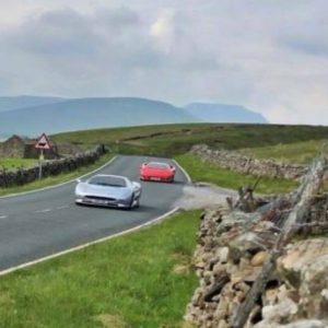Apresentador do Top Gear despista-se com Lamborghini Diablo durante filmagens