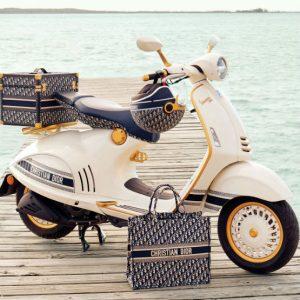 Vespa 946 recebe edição especial e exclusiva da Christian Dior