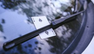 Os surpreendentes carros das maiores estrelas de poker do planeta