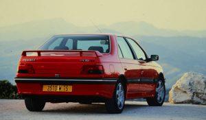 Peugeot 405 T16, a berlina desportiva dos anos 90 que batia os 235 km/h
