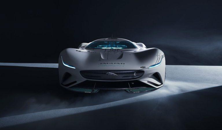 O Jaguar que bate os 410 km/h está ao seu alcance no Gran Turismo