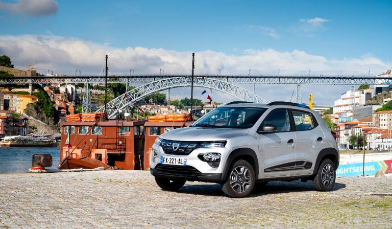 Dacia Spring é o carro elétrico mais barato do mercado