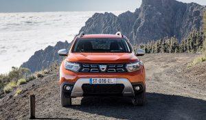 Nova versão do SUV da Dacia já tem data para chegar ao mercado nacional