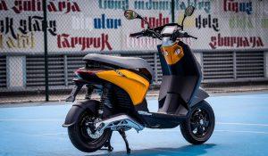 A nova scooter da Piaggio quer revolucionar a mobilidade urbana elétrica