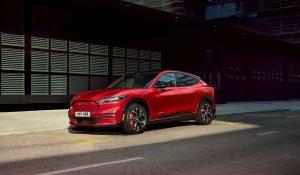 Ford Mustang Mach-E entra no Guinness com recorde mundial de eficiência